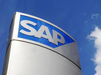 Ein Schild vor dem Konzernsitz des Softwareherstellers SAP in Walldorf. Foto: Uli Deck/Archiv