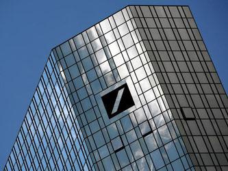 Die größte deutsche Bank steht seit geraumer Zeit wegen diverser Verfehlungen aus der Vergangenheit unter Beschuss. Foto: Andreas Arnold