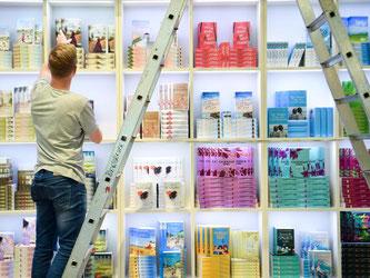 Rund 7000 Verlage präsentieren sich vom 19. bis 23. Oktober auf der weltgrößten Bücherschau. Foto: Arne Dedert