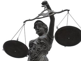 Auch wenn ein Mieter insolvent ist, kann der Vermieter das Mietverhältnis nicht automatisch kündigen. In der Regel zahlt der Insolvenzverwalter die Miete weiter. Foto: David Ebener