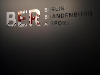 Der neue Hauptstadtflughafen BER kommt nicht aus den negativen Schlagzeilen heraus. Foto: Ralf Hirschberger