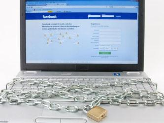 Ob die Nutzung von Facebook und Co. im Job verboten ist, hängt vom Unternehmen ab. Foto: Kai Remmers