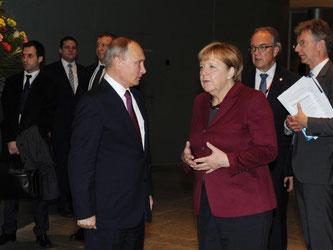 Das Treffen mit Putin war für Kanzlerin Merkel «die Mühe wert». Foto: Michael Klimentyev / Sputnik / Kremlin Pool