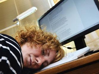 Lahme Rechner rauben dem Nutzer erst den letzten Nerv - und wirken dann einschläfernd. Foto: blickwinkel