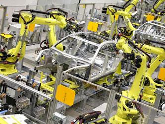 Durch Automatisierung werden viele Produktionsprozesse effektiver. Deswegen fürchten nicht nur Fabrikarbeiter um ihren Job. Foto: Jan Woitas