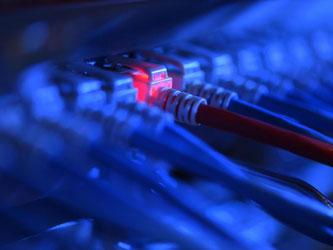 Der Krypto-Trojaner Locky verbreitet sich über vorhandene Netzwerke weiter. Versteckt ist er in E-Mails mit Download-Links oder Anhängen. Foto: Felix Kästle