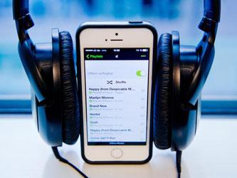 Spotify bleibt der klare Marktführer unter den Musik-Streamingdiensten, bei denen die Songs direkt aus dem Netz abgespielt werden. Foto: Daniel Bockwoldt
