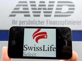 Anleger sind mit Schadenersatzklagen gegen den Finanzdienstleister und AWD-Nachfolger Swiss Life Select wegen angeblich fehlerhafter Anlageberatung gescheitert. Foto: Julian Stratenschulte/Archiv