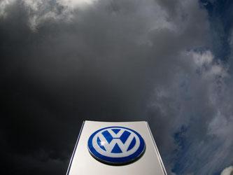 Weltweit muss Volkswagen rund elf Millionen Fahrzeuge mit Diesel-Motoren umrüsten. Foto: Julian Stratenschulte/Archiv