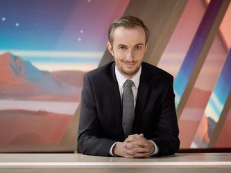 War nie ganz weg: Jan Böhmermann in der Kulisse seiner Show «Neo Magazin Royale». Foto: Ben Knabe/ZDF