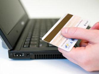 Wurden PIN- und TAN-Nummer richtig eingegeben, nehmen Banken an, dass der Kontoinhaber die Online-Überweisung veranlasst hat. Doch funktionierte das System wirklich fehlerfrei? Foto: Franziska Gabbert