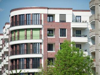 Die Immobilien-Preise steigen seit Jahren. Damit das Eigenheim kein Verlustgeschäft wird, müssen sich Eigentümer schon beim Kauf auf sinkende Immobilienpreise einstellen. Foto: Klaus-Dietmar Gabbert