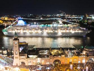 Kreuzfahrten sind beliebt, bieten sie doch einen Rund-um-Sorglos-Urlaub. Foto: Daniel Bockwoldt
