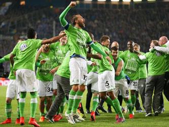 Wolfsburg feiert den Einzug ins Pokalfinale fast wie einen Titel. Foto: Friso Gentsch