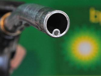Die Welt wird nach Einschätzung des britischen Rohstoffriesen BP in 20 Jahren rund ein Drittel mehr Energie verbrauchen als heute. Foto: Bernd Thissen/Archiv