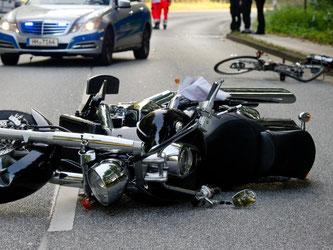 Bei einem bewussten Ausweichmanöver, bei dem andere Verkehrsteilnehmer durch einen Unfall geschützt werden, greift die gesetzliche Unfallversicherung. Foto: Daniel Bockwoldt