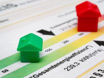 Wer eine Immobilie kauft oder mietet, hat ein Anrecht, den Energieausweis des Gebäudes zu sehen. Foto: Franziska Gabbert