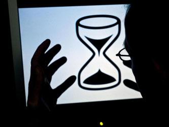 Lahmes Internet nervt Nutzer. Sie können erstmal selbst versuchen, die Speed-Probleme in den Griff zu bekommen. Foto: Jens Schierenbeck