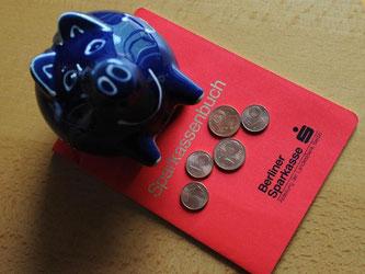 Damit die Ersparnisse von Bankkunden besser geschützt sind, tritt am 3. Juli das neue Einlagensicherungsgesetz in Kraft. Foto: Jens Kalaene
