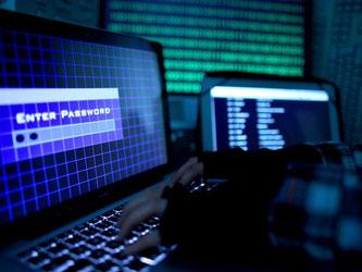 Im Visier von Hackern: Wer den Zugriff auf eines oder mehrere Internetkonten verloren hat, muss schnell handeln. Foto: Oliver Berg