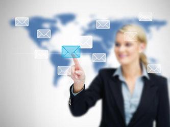 Werbefinanziert, kostenpflichtig oder besonders sicher? Bei der Suche eines E-Mail-Anbieters haben Kunden die Qual der Wahl. Foto: Wavebreak Media Ltd.