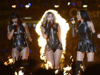 Hier sind sie in Bewegung: Kelly Rowland, Beyonce und Michelle Williams (v.l.) von Destiny's Child. Foto: Larry W. Smith