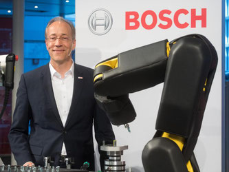 Stefan Aßmann, Leiter Connected Industry bei Bosch. Foto: Julian Stratenschulte