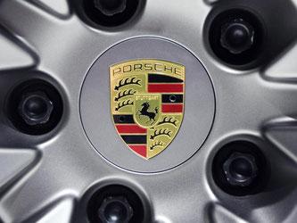 Porsche Logo. Foto: Uli Deck/Archiv
