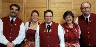 v.l.: Bernd von Hösslin (Dirigent), Julia Schachtner (2. Vorstand), Martin Rüeck (1. Vorstand), Gabi Fuchs (Kassier), Andreas Weidner (Schriftführer)