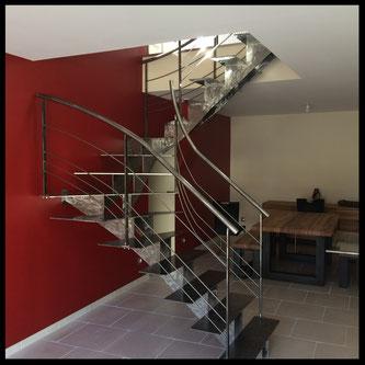 Escalier+ rambarde tout métal, deux quarts tournants. Fabrication française et sur mesure.