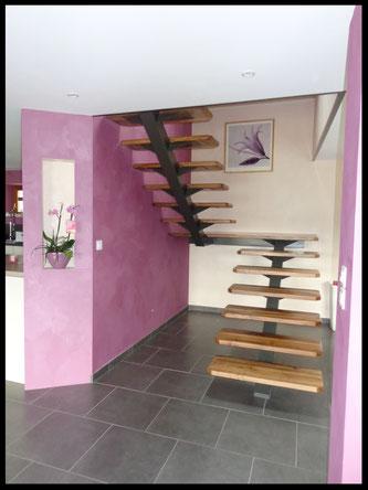 escalier métal sur mesure, palier intermédiaire, limon central