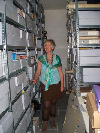 Im Archiv des Frauenkulturarchivs Graubünden (Bild Hofer)