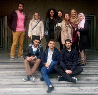 Samer Moussa (oben links), Ammar Balleh (unten links), Abdullah Kayali (unten Mitte) mit ihren TandempartnerInnen vom Austrian Network for Refugees