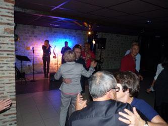 soirée dansante ; orchestre de variété