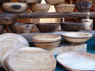 Tourneur sur bois, objets utilitaires, décoration, Marché de Noël de Gap, Hautes Alpes