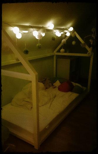 Wenn das Bettchen nachts um vier allein da steht und die Mini zu uns kommt, hab ich natürlich nix dagegen.