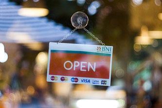 Einzelhandel geöffnet