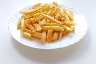 Pommes Frittes auf Teller