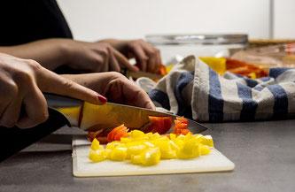 Küche Gemüse schneiden