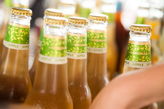 Erfrischungsgetränke in Flaschen