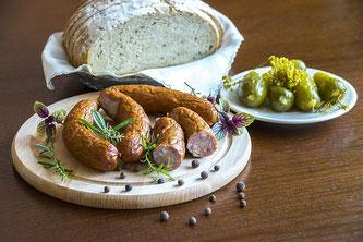 Jause Wurst Brot Gurken