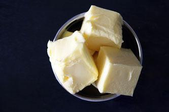 Butter in Schale