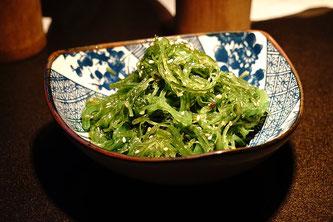Schale mit Algen