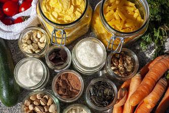 Offene wiederverwertbare Lebensmittelgebinde aus Glas