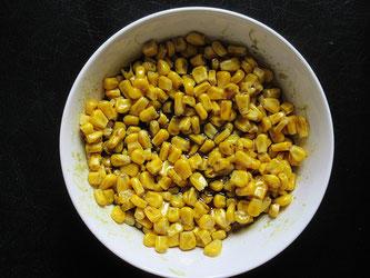 Mais mit Kürbiskernöl