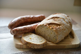 Jause Brot und Wurst