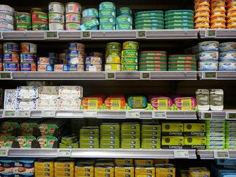 Supermarkt Regal Dosen