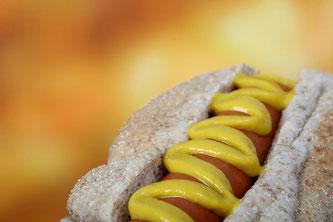 Hotdog mit Senf