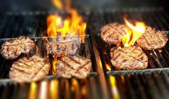 Grillfleisch grillen Feuer
