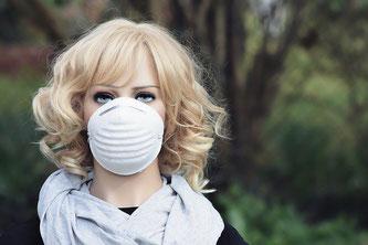 Schutzmaske Frau